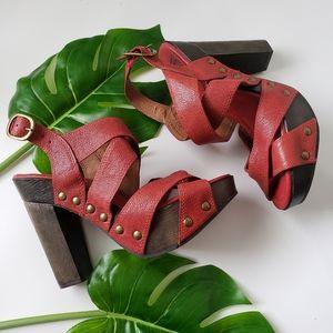 Lucky Brand Tessa red leather platform sandals